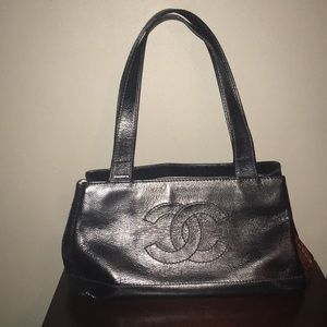 Chanel CC Logo Grainy Leather Tote